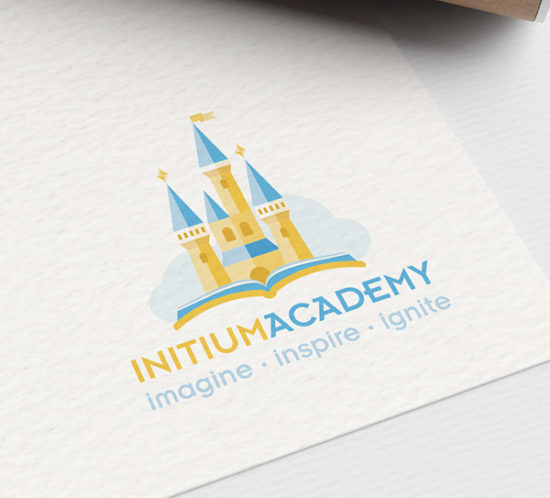 Initum logo design